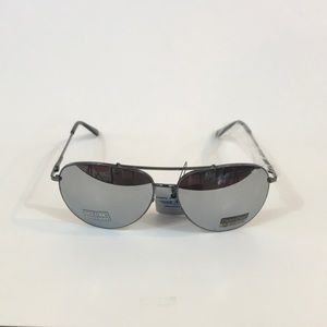 Accessories - Curved Black Frame Silver Mirror Aviator Sunglass.
